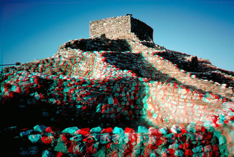 http://www.terryblackburn.us/Photography/3D/Anaglyphs_II/images/ana_Tuzigoot.jpg